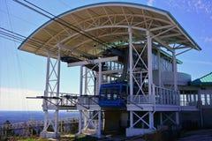 KAMIENNA góra, GRUZJA, usa - MARZEC 19, 2019: Góry stacja szczyt Skyride zdjęcie stock