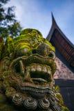 Kamienna gigantyczna świątynna rzeźby twarz w Thailand Fotografia Royalty Free