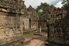 Kamienna kolumna w centre świątynny podwórze zdjęcia royalty free