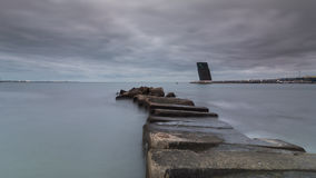 Kamienna mola i naczynia ruchu drogowego wieża kontrolna Zdjęcie Stock