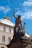 Kamienna rzeźba gigant z nożem Zdjęcia Stock