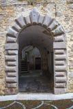 Kamiennej łękowatej architektury średniowieczny portal Zdjęcie Stock