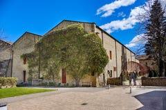 Kamienni budynki wino lochy Rioja w miasteczku dzwonili Elciego w regionie dzwoniącym Los Angeles Rioja Alavesa w Hiszpania Fotografia Royalty Free