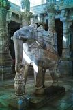 Kamienni cyzelowania przy Ranakpur Jain świątynią, Rajasthan, India Październik, 2009 obraz stock