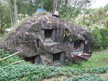 Kamienni głazów grób przy Bori Parinding Taniec Toraja Fotografia Royalty Free