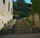 Kamienni schodki iść w górę Petrovaradin fortecy przy, Novi Sad obrazy stock