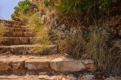 Kamienni schodki na zboczu góry Zdjęcie Stock