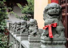 Kamienni smoki - strażnicy świątynia obraz stock