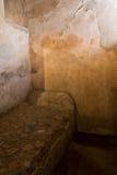 Kamienny łóżko w domu w Pompeii fotografia stock