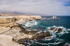 Kamienny łuk dzwonił «los angeles Portada «na północnym wybrzeżu Chile obok miasta Antofagasta obrazy stock