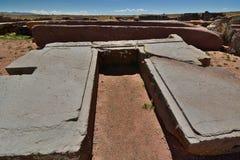Kamienny blok Pumapunku Tiwanaku archeologiczny miejsce Boliwia zdjęcia stock