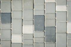 Kamienny bruk robić z betonowymi blokami w popielatym kolorze Zdjęcie Stock
