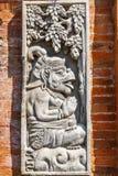 Kamienny cyzelowanie przy Hinduską balijczyk świątynią, Buruan, Bali, Indonezja Pionowo wizerunek fotografia stock