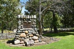 Kamienny dedykacja markier przy Irvine regionalności parkiem fotografia stock