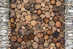 Kamienny i drewniany tło Obrazy Stock