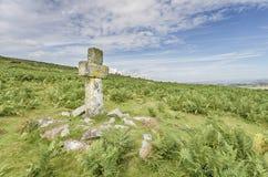 Kamienny krzyż na Bodmin Cumuje Fotografia Royalty Free