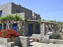 Kamienny lato dom w wyspie Paros, zdjęcie stock