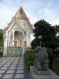 Kamienny lew chroni wejście pokojowy biały ubosodh obraz royalty free