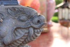 Kamienny lew i chińczyk architektura obrazy stock