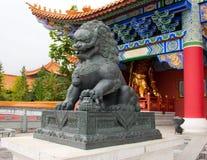 Kamienny lew W Chongshen Buddyjskim monasterze Obraz Stock