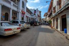 KAMIENNY miasteczko ZANZIBAR, STYCZEŃ, - 9, 2015: Ulica Kamienny miasteczko na słonecznym dniu Zdjęcie Stock