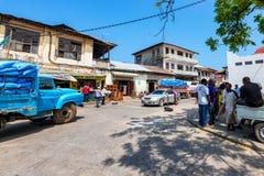 KAMIENNY miasteczko ZANZIBAR, STYCZEŃ, - 9, 2015: Ulica Kamienny miasteczko na słonecznym dniu Fotografia Stock