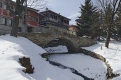 Kamienny most i starzy antyczni domy w Koprivshtitsa Zdjęcia Stock