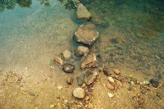 Kamienny most przez bród halny strumień zdjęcie royalty free