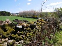 Kamienny ogrodzenie i most Obraz Royalty Free