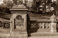 Kamienny ogrodzenie robić w czarny i biały Zdjęcia Stock