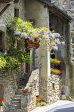 Kamienny schodka prowadzenie średniowieczny budynek obraz stock