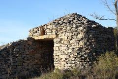 Kamienny schronienie w Pyrenees, Francja Obrazy Stock