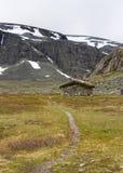 Kamienny schronienie w sercu norweska góra Zdjęcia Royalty Free
