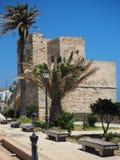 Kamienny wierza i kolorowy kafelkowy miejsca siedzące Zdjęcie Royalty Free