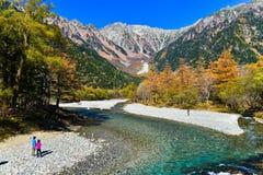 Kamikochi το φθινόπωρο στοκ φωτογραφίες