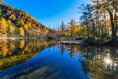 Kamikochi το φθινόπωρο στοκ φωτογραφία