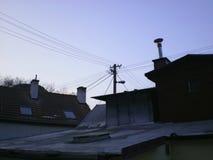 Kamin auf Dachspitze Lizenzfreie Stockbilder