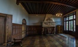 Kamin im alten Schloss Lizenzfreies Stockbild