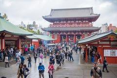 Kaminarimon (雷门) - Sensoji寺庙门  图库摄影