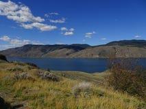 Kamloops湖在落矶山在不列颠哥伦比亚省,加拿大 免版税图库摄影