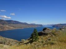 Kamloops湖在落矶山在不列颠哥伦比亚省,加拿大 库存图片