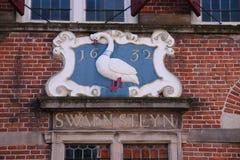 Kamm auf einem alten Gebäude ab 1512 genannt Swaensteyn, das in Voorburg die Niederlande und verwendet für das Treffen der Stadt  stockbilder