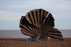 Kamm-Muschel, durch Suffolkkünstler Maggi Hambling Stockfotografie
