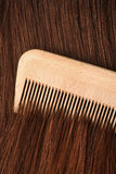 kamma hår Arkivfoton