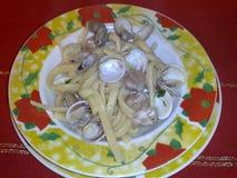 Kammusslor med musslor Royaltyfri Fotografi