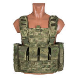 Kamouflage militär kroppharnesk, skyltdocka fotografering för bildbyråer