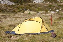 Kamp in berg Stock Afbeelding