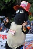 Kampania 'poświęcać' naprzeciw Eid al-Adha świętowania w Indonezja Zdjęcie Royalty Free