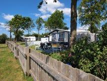Kampeerauto's in een het kamperen plaats Royalty-vrije Stock Foto's