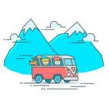 Kampeerautobestelwagen in de berg Royalty-vrije Illustratie